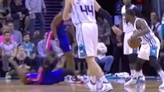 Download Crossover Or Offensive Foul? Kemba Walker VS Ish Smith Video