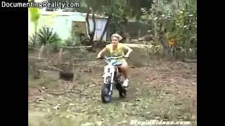 Download Idiots on motorbikes Video