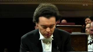 Download EVGENY KISSIN plays CHOPIN Waltz Op.64 n.2 Video