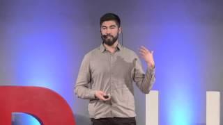 Download El desapego al viajar | Luís Carabantes | TEDxUFRO Video