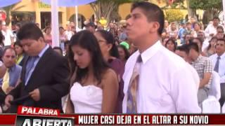 Download MUJER CASI DEJA EN EL ALTAR A SU NOVIO EN MATRIMONIO MASIVO Video