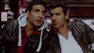Download Akshay & John play their cards well Video