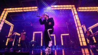 Download Bruno Mars - Versace on the Floor [Billboard Music Awards 2017] Video