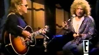 Download Mick Jones and Lou Gramm going acoustic Video