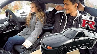 Download Girl Driving RHD Stick Shift Skyline GTR For The First Time!! Video