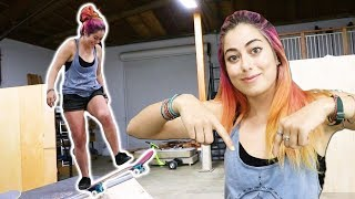Download PRO SNOWBOARDER LEARNS HOW TO SKATE A MINI RAMP! Video