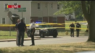 Download Warren police looking for suspect in shooting near Trumbull Homes Video
