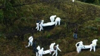 Download Brazil in mourning after plane carrying soccer team crashes Video