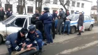 Download Новости беспредела 10 - ДПС разбили стекло пьяному водителю Video