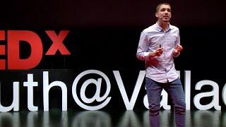 Download Sin pensamiento critico no eres nadie | Pablo Perez-Paetow | TEDxYouth@Valladolid Video