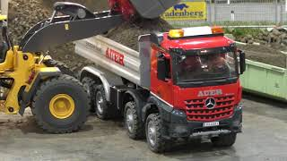 Download RC Truck Action! Trucks & Construction Fun on a amazing Parcours @ Messe Graz 2018 Video