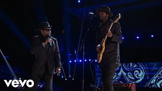 Download Gary Clark Jr. / William Bell - Born Under a Bad Sign (LIVE from the 59th GRAMMYs) Video