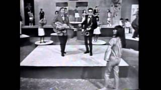Download 001 Bill Haley -La Tierra de las Mil Danzas -Discoteca Orfeon A Go-Go Video