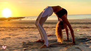 Download Yoga Workout For Your Waistline ♥ Beautiful Sunset Core Toning | Tip Of Borneo Video