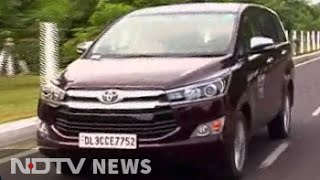 Download A close look at the Toyota Innova Crysta Video