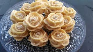 Download حلويات اللوز: حلوة الوردة / (المقادير تحت الفيديو) petits fours aux amandes Video