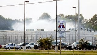 Download Guard Killed In Riot At Private Prison In Mississippi Video