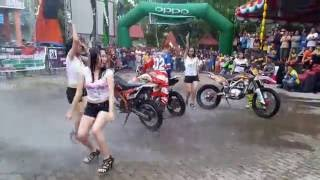 Download LADY WASH - ADVENTURE MOTOR TRAIL GORONTALO CUP 2016 Video