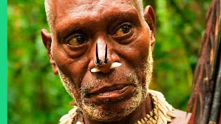 Download Eating with the World's Most Isolated Tribe!!! The Tree People of Papua, Indonesia!! Video