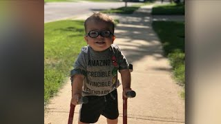 Download Video of 2-year-old boy learning to walk inspires millions Video