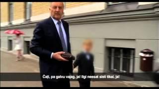 Download Prezidents Bērziņš rupji nolamā operatoru Video