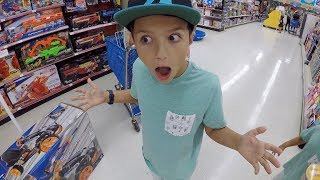 Download 🛒 KID GETS TOYS R US SHOPPING SPREE FOR BIRTHDAY?! 🏄 Video