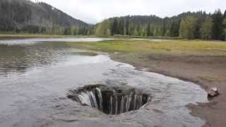 Download Adventure Oregon - Lost Lake draining into a giant hole Video