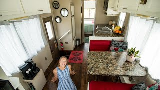 Download They Renovated A 1989 RV Into A Beautiful Budget Tiny House Video