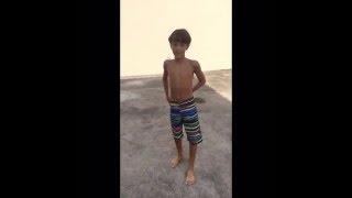Download TAG: jogando o lixo de cueca!!!!!😂😂😂 Video