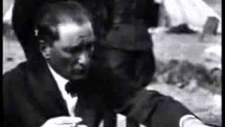 Download Zülfü Livaneli - Yiğidim Aslanım (Atatürk - 10 Kasım) Video