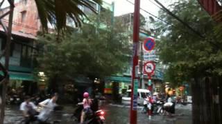 Download Đường đi học về sau cơn mưa bão! Video