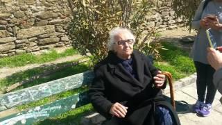 Download Selanik'te kalede 1936 doğumlu Yunan teyze ile Türkçe muhabbet, sohbet Video