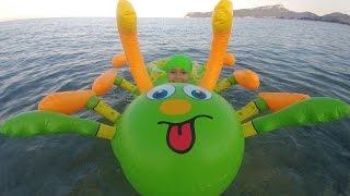 Download DEV TIRTIL , Büyük çok ayaklı deniz oyuncağı, eğlenceli çocuk videosu, toys unboxing Video