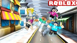 Download SURVIVE THE TORNADO IN ROBLOX Video
