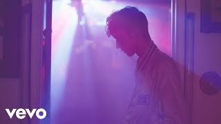 Download Troye Sivan - YOUTH Video