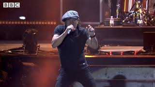 Download MUSE & Brian Johnson of AC/DC - Back In Black [Reading Festival 2017] Video