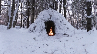 Download Winter Bushcraft Camp Building - Wikiup, Axe, Knife, Snow Storm Video