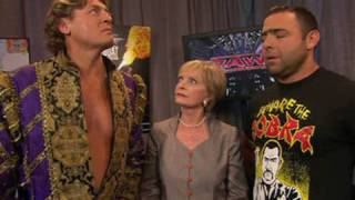 Download Raw: Florence Henderson meets a meets a bickering Raw ″Bunch″ Video