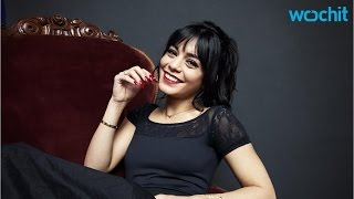 Download Vanessa Hudgens Opens Up About the Struggles of Dating Zac Efron Video
