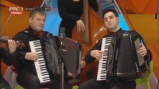 Download Časlav i Nikola Ljubenović - Hungarian dance (Mađarska igra) Video