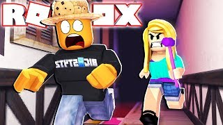 Download TRYING TO SAVE A FRIEND! (Roblox Flee The Facility) Video