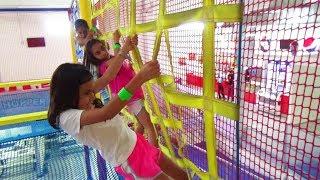 Download Locuras en el PARQUE DE TRAMPOLINES!!! Vacaciones de Verano | TV ANA EMILIA Video