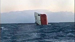 Download Kargo gemisi ters döndü, mürettebat kayıp Video