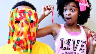 Download Bad Baby Shiloh GUMMY FACE! - LOTS OF CANDY CHALLENGE! - Shasha and Shiloh Onyx Kids Video