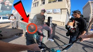 Download GUY TRIES SELLING ME THIS ILLEGALLY IN BROAD DAYLIGHT.. (BMX IN COMPTON) Video