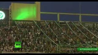 Download Los hinchas del club brasileño Chapecoense rinden homenaje al equipo Video