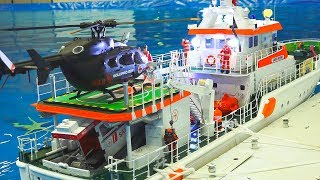 Download AWESOME RC MODEL SHIP ACTION ON THE POOL!! *RC SAR*RC CAR FERRY*RC STEAM BOAT Video