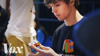 Download How a 15-year-old solved a Rubik's Cube in 5.25 seconds Video