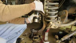 Download How-To replace Dana 30 and 44 Ball Joints part 2 of 3 (press in ball joints with cheap press) Video
