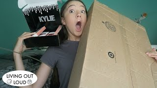Download What is in these BOXES?! Mystery UNBOXING... (Kylie Cosmetics, Mystery Box ) | Shopping & Hauls Video